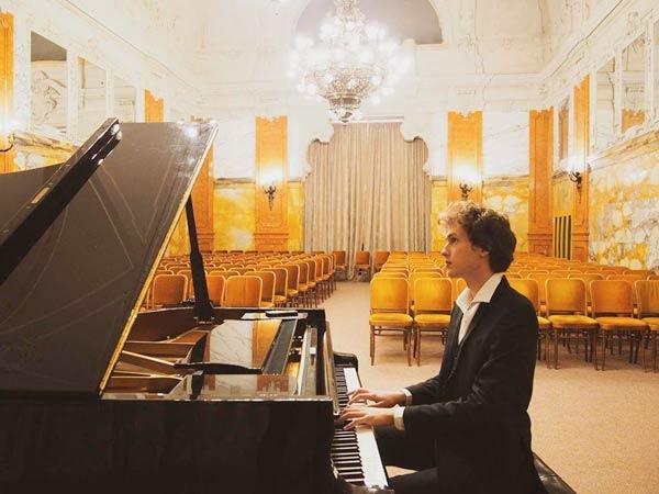 Concerto del pianista Ivan Krpan