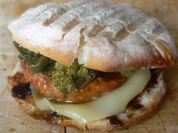 Calabriotto: l'hamburger col sapore di Calabria