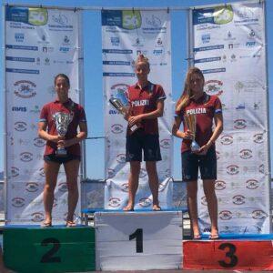 Il podio femminile della 56° Traversata dello Stretto