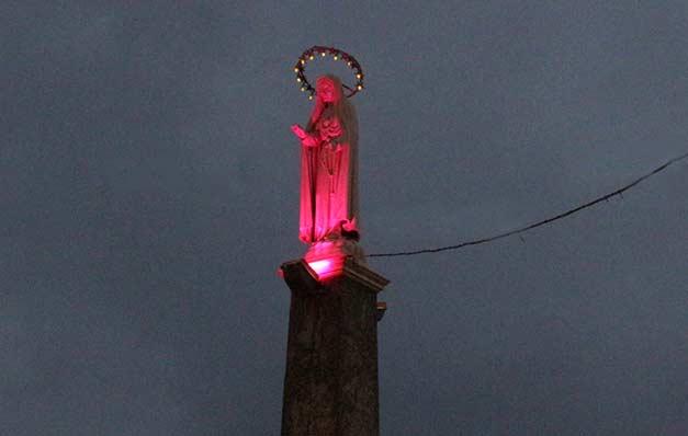 Madoninna illuminata di rosa