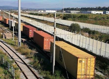 Il primo treno portacontainer diretto a Gioia
