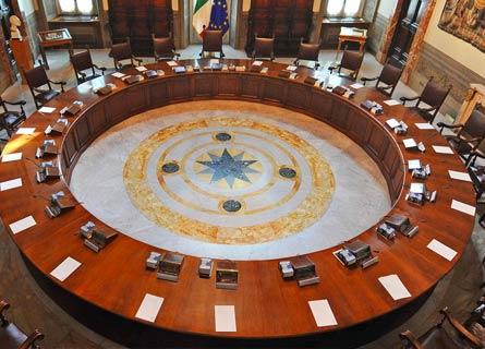 Il tavolo rotondo del Consiglio dei Ministri