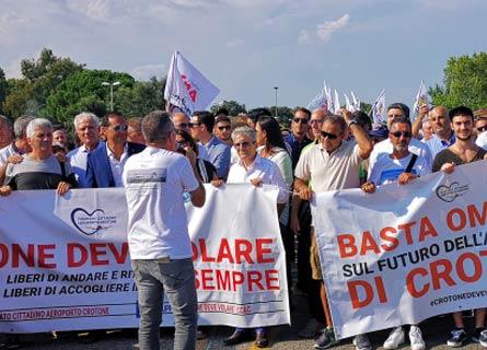 Manifestazione per l'Aeroporto di Crotone