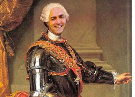 Luigi De Magistris nei panni di Carlo III
