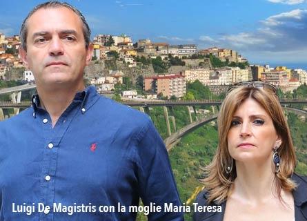 Luigi De Magistris con la moglie Maria Teresa