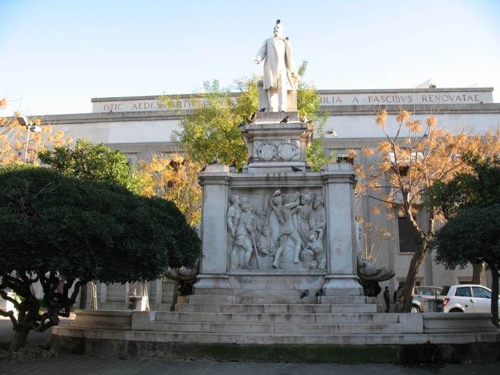 Piazza De Nava