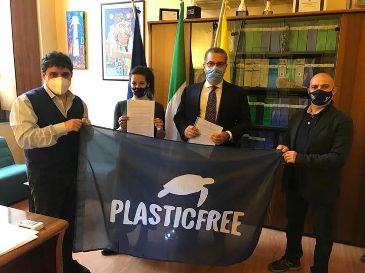 protocollo tra Comune e Plastic Free