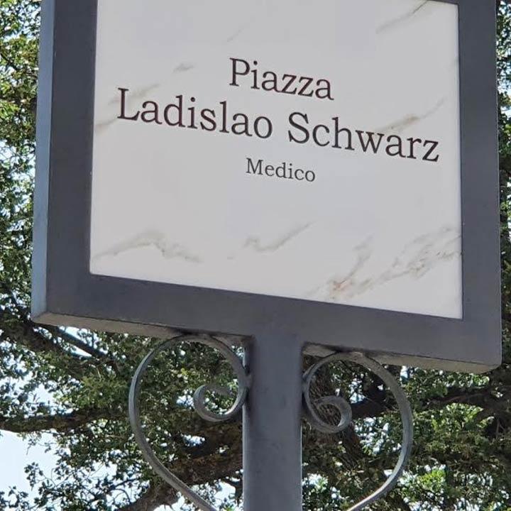 Piazza Ladislao-Schwarz