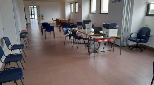 hub vaccinale aeroporto di Crotone
