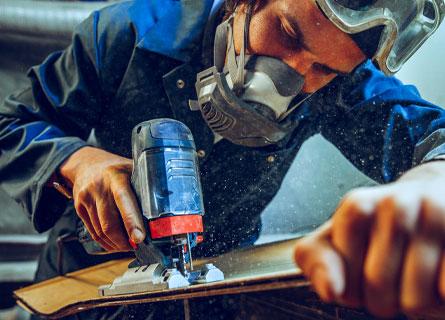 Artigiano al lavoro (Freepik)
