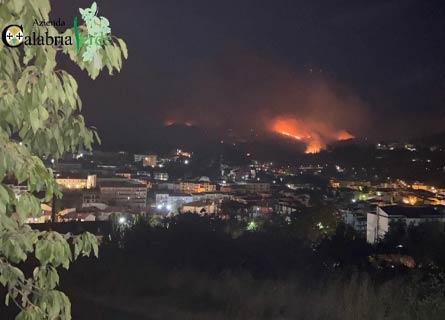 Incendio ad Acri ph Calabria Verde