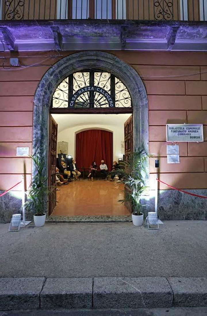 "Chiara Giordano lancia ""Armonie d'arte Spring-Portoni aperti a Catanzaro"""